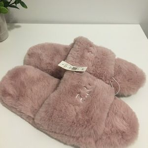 Aeropostale Pink Furry Slippers Size 7/8